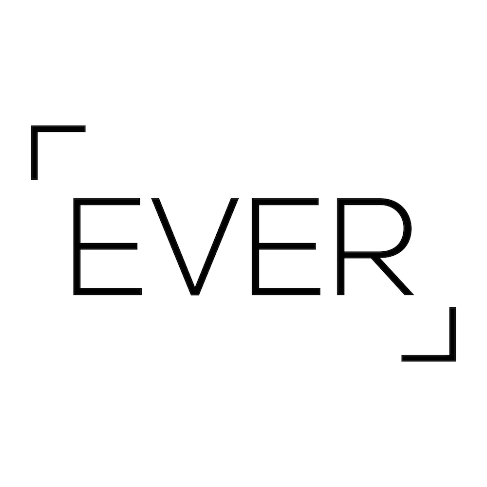 "EVER  | <a href=""http://www.fr.everphotoshoot.com/ "">Site web </a>"